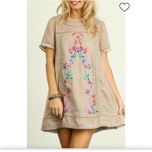 🌻NWT Umgee Floral Embroidered Dress